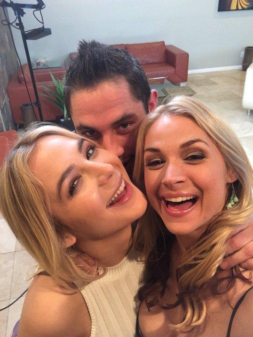 The best threesome ❤️❤️❤️ @DamonDice8 @blairsbananas Tyou @naughtyamerica for such an amazing day on