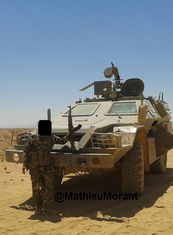 الجيش السوري يحصل على مدرعات BPM-97 vystrel C6j3UywWgAAnaYS
