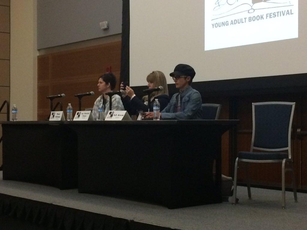 Criminal Minds panel with @SEGreenAuthor @MindyMcGinnis and Amy Christine Parker! #seyabookfest @seyabookfest https://t.co/xg8PfuCOni