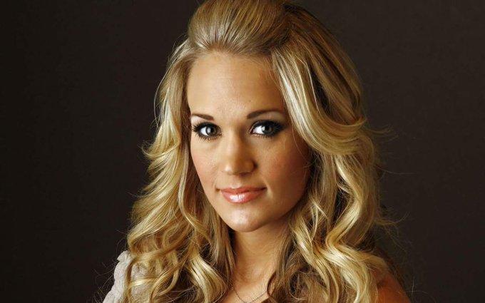 Happy Birthday Carrie Underwood!! age 34