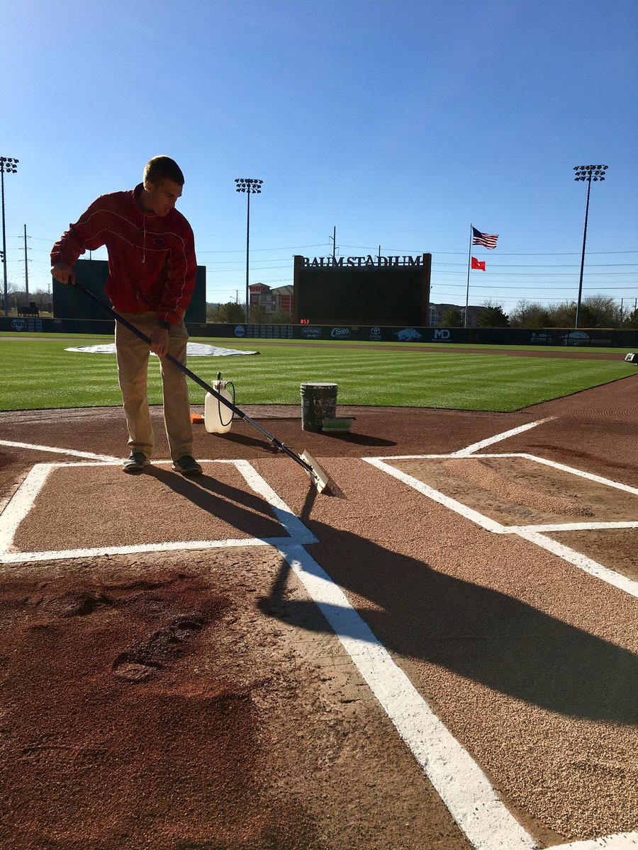 Prepping for a DH today at 3pm. 1&quot; of rain last night plus hail and no tarp. #corkboard <br>http://pic.twitter.com/3IZGVCiuhm &ndash; à Baum Stadium