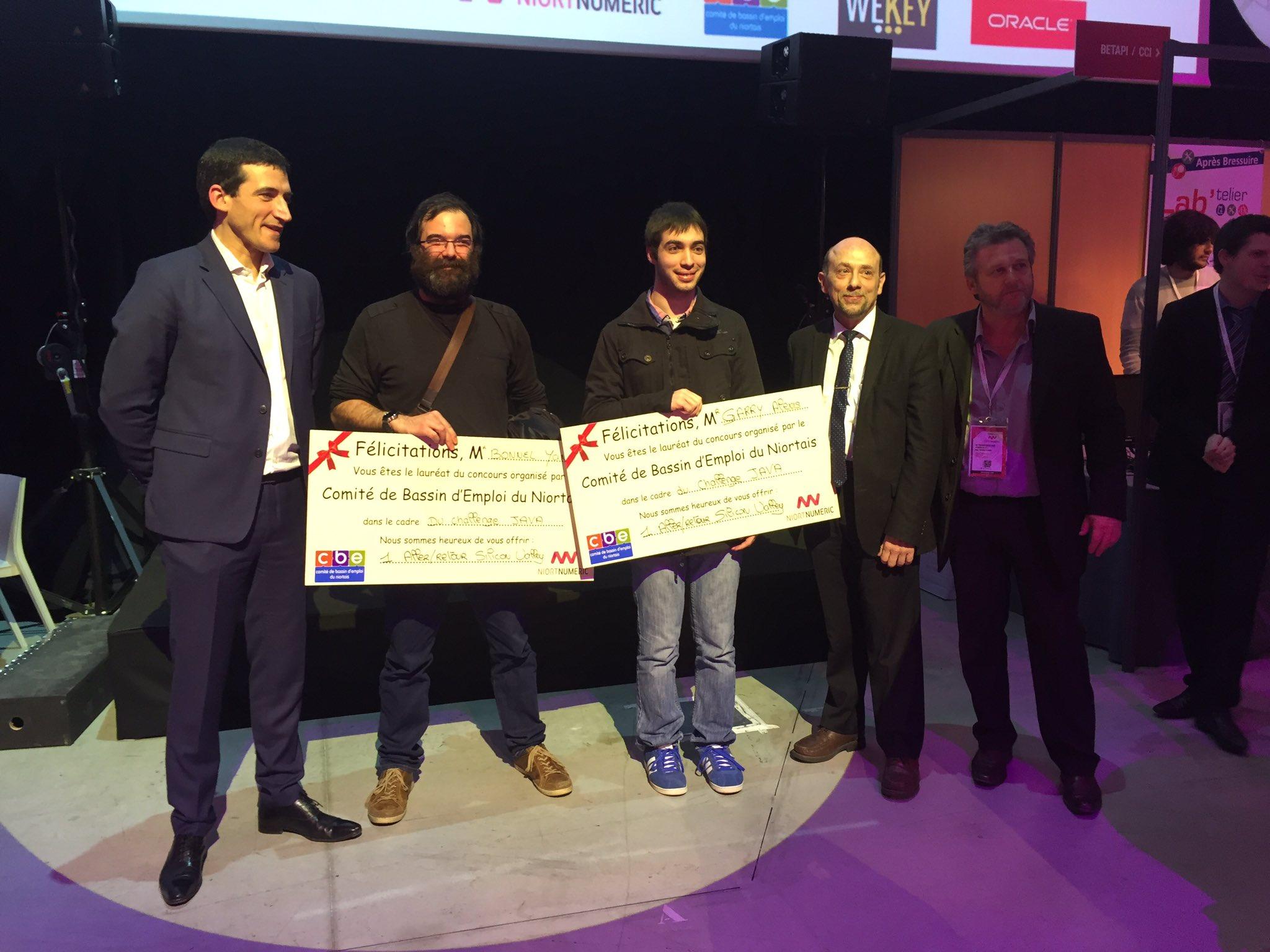 Félicitations à Yann Bonnel, catégorie pro et Alexia Garry, catégorie étudiants qui ont rempté chacun le 1er prix du Challenge Java. https://t.co/rSFEbVvQG6