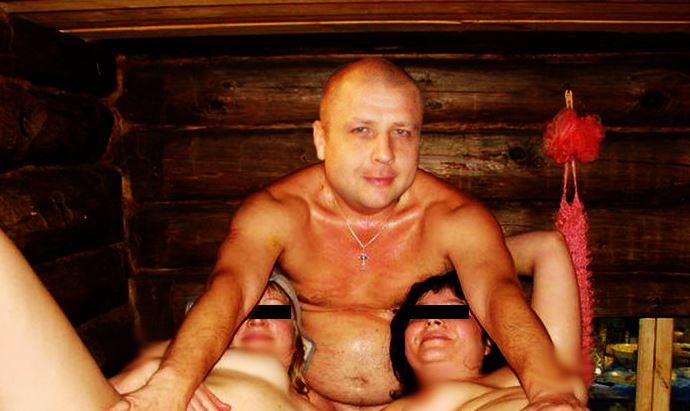 начался депутаты и проститутки в бане фото снижаю
