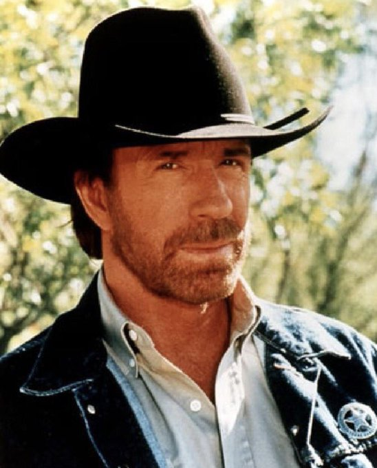 Heute hat der Geburtstag seinen Chuck Norris! Happy Birthday zum 77.