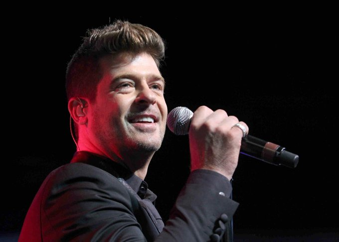Happy 40th birthday to singer/songwriter Robin Thicke.