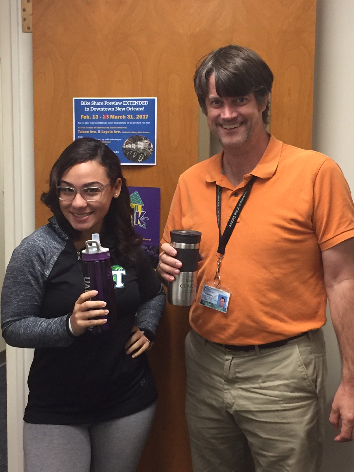 MCH students & staff use reusable water bottles to reduce waste! @MACWHEC how do you reduce waste? Post a pic & tag a friend!#tulanerecycles https://t.co/nhr06mUvsH