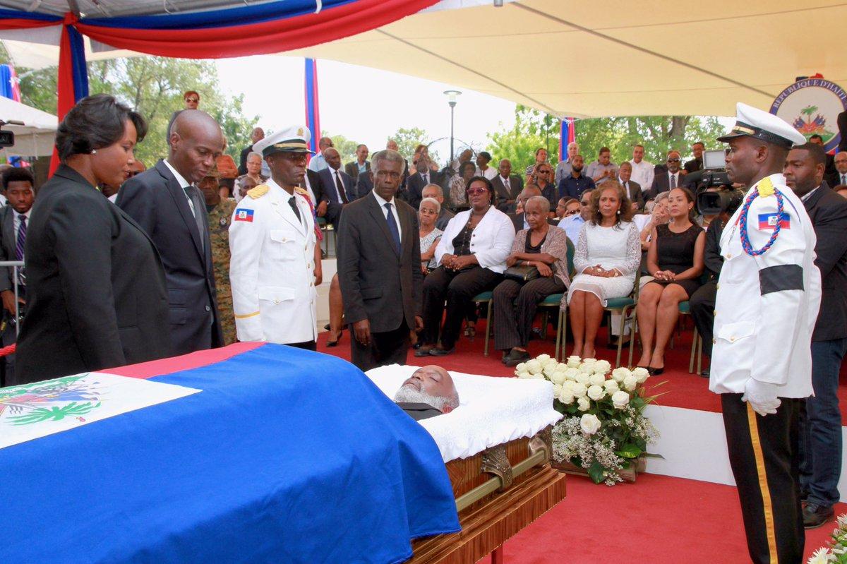 Haití rinde tributo a expresidente René Préval