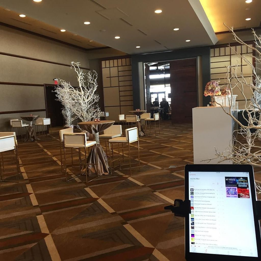 Ready to play PopRock #ElectricViolin for a #CorporateEvent Nemacolin Woodlands Resort. #C…  http:// ift.tt/2lLWBsl  &nbsp;  <br>http://pic.twitter.com/G7EcuQMGzA