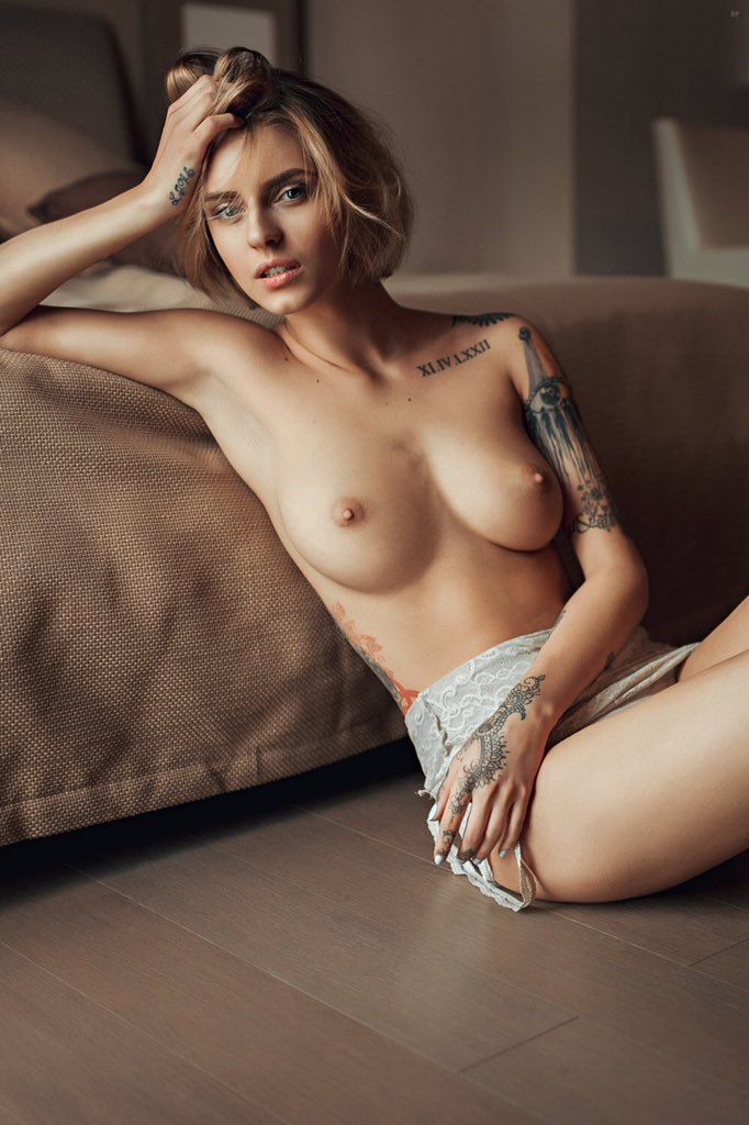 Italian nude and sexy girl photos