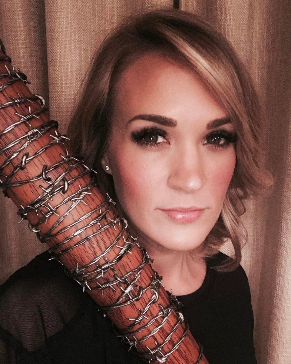 Carrie Underwood Nude Photos 67