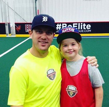 She only got 2C @CDLAX7 play twice but will never forget how he treated her @RabilExperience Will B cheerin loud watchin #7 go 2 the rafters https://t.co/OgHvcRRhIG