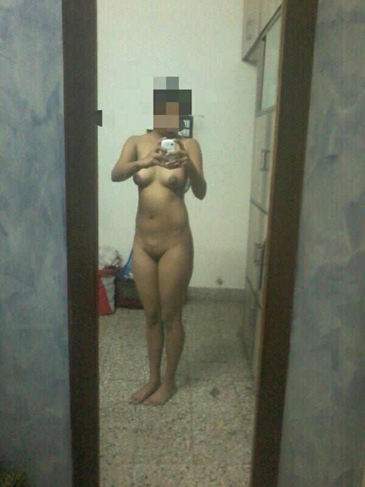 Nude Selfie 10828