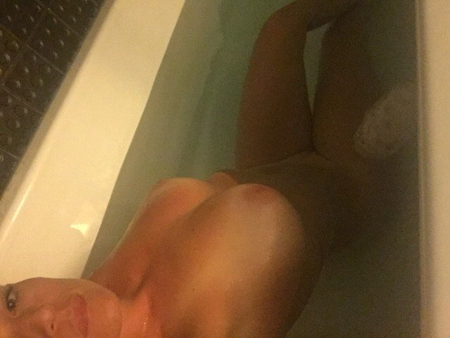 Nude Selfie 10849