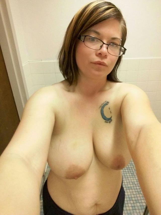 Nude Selfie 10898