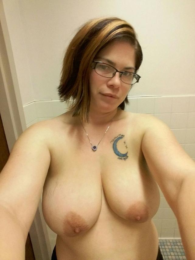 Nude Selfie 10899
