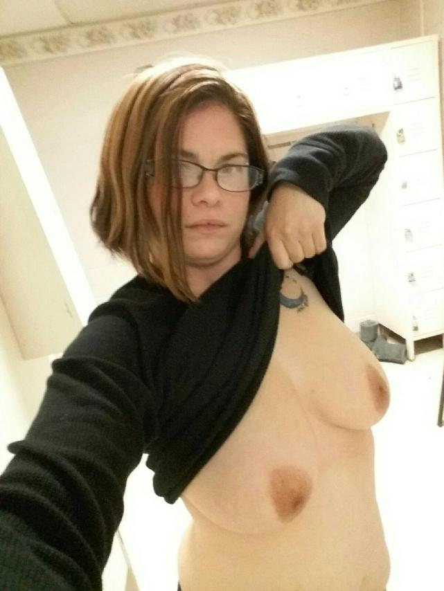 Nude Selfie 10900