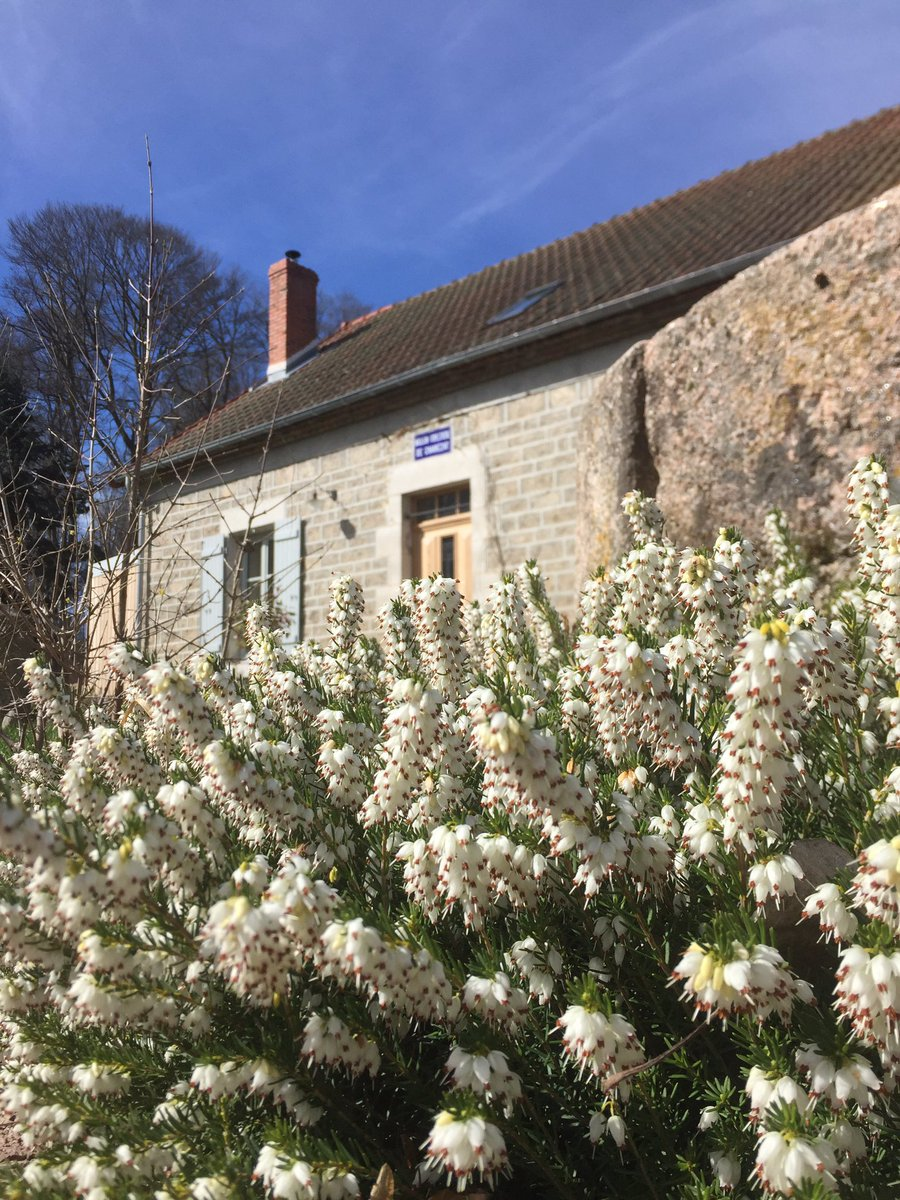 The season starts to invite you...welcome to  @maison_charezat  bed and breakfast #Allier #Auvergne<br>http://pic.twitter.com/yt0Au3Dho3