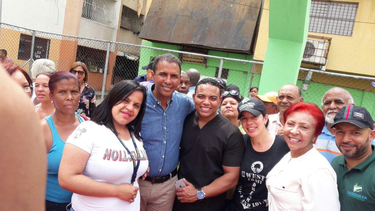 Feliz en nuestra comunidad #VillaCom #CuidaTuSalud #LideresComunitario #ConDios @DomingoCG1 @Zcollado7 @AlexanderAdon1 @EriniaPeralta<br>http://pic.twitter.com/LvvApVDSGM