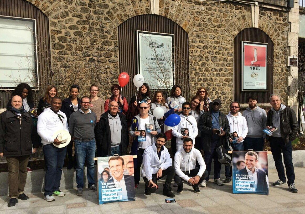 Quand les comités @ClichyEnMarche et @EM_Levallois se rencontre à la frontière des deux villes #Circo9205 #YesWeWalk #LaFranceEnMarche<br>http://pic.twitter.com/5WDHWUnJhe