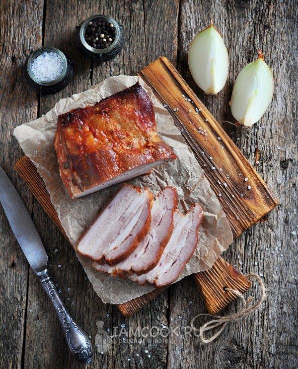 Свиная грудинка в духовке рецепт