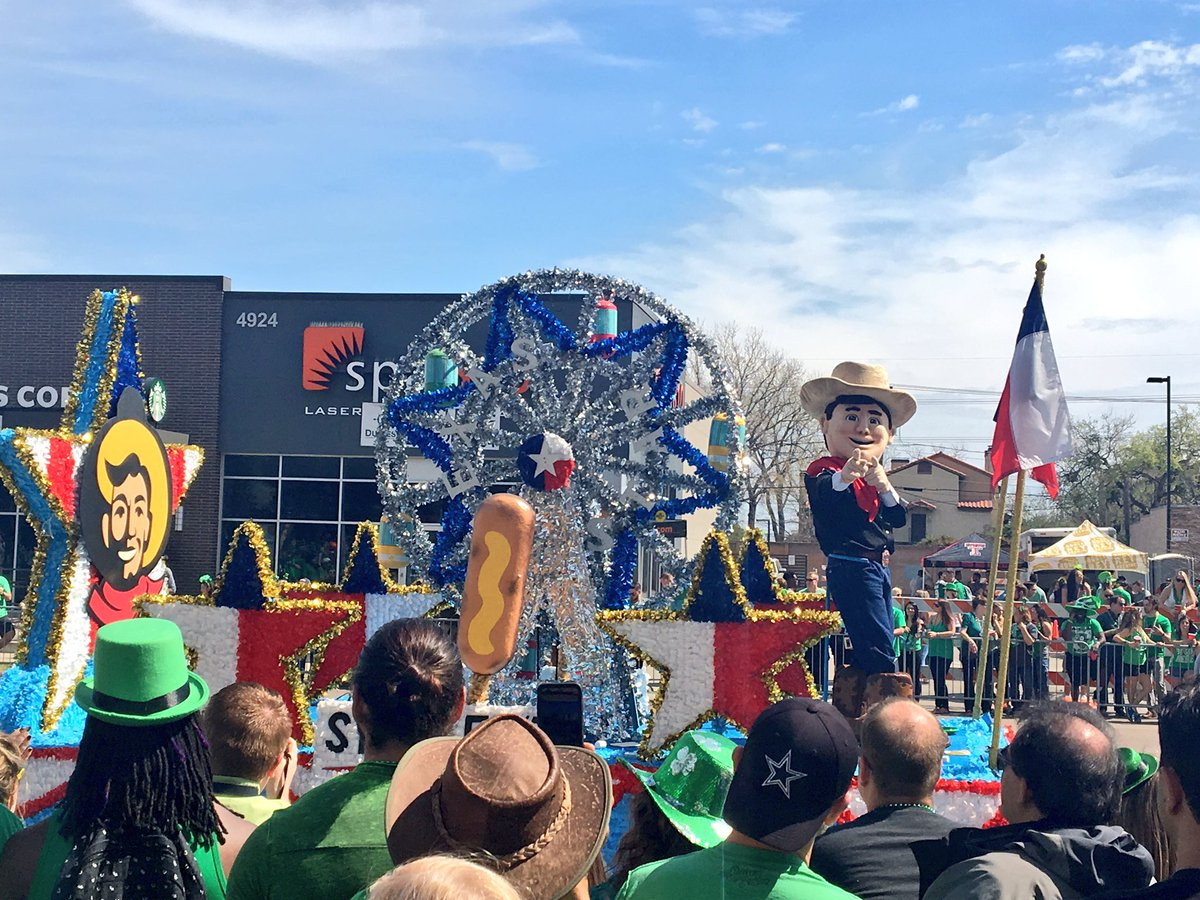 (Little) Big Tex in the Dallas St Patrick's parade