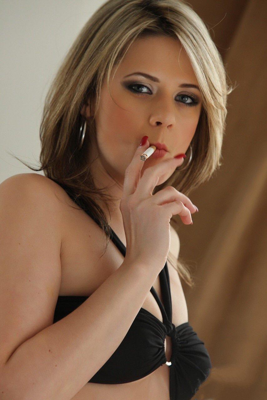 Hot chicks smoking
