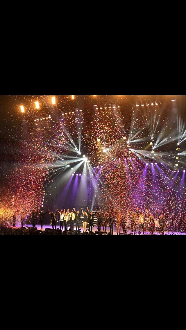 Noche espectacular la noche de anoche simplemente inolvidable en el Auditorio Nacional @UneteFiestaOF https://t.co/PWcvcnfFio