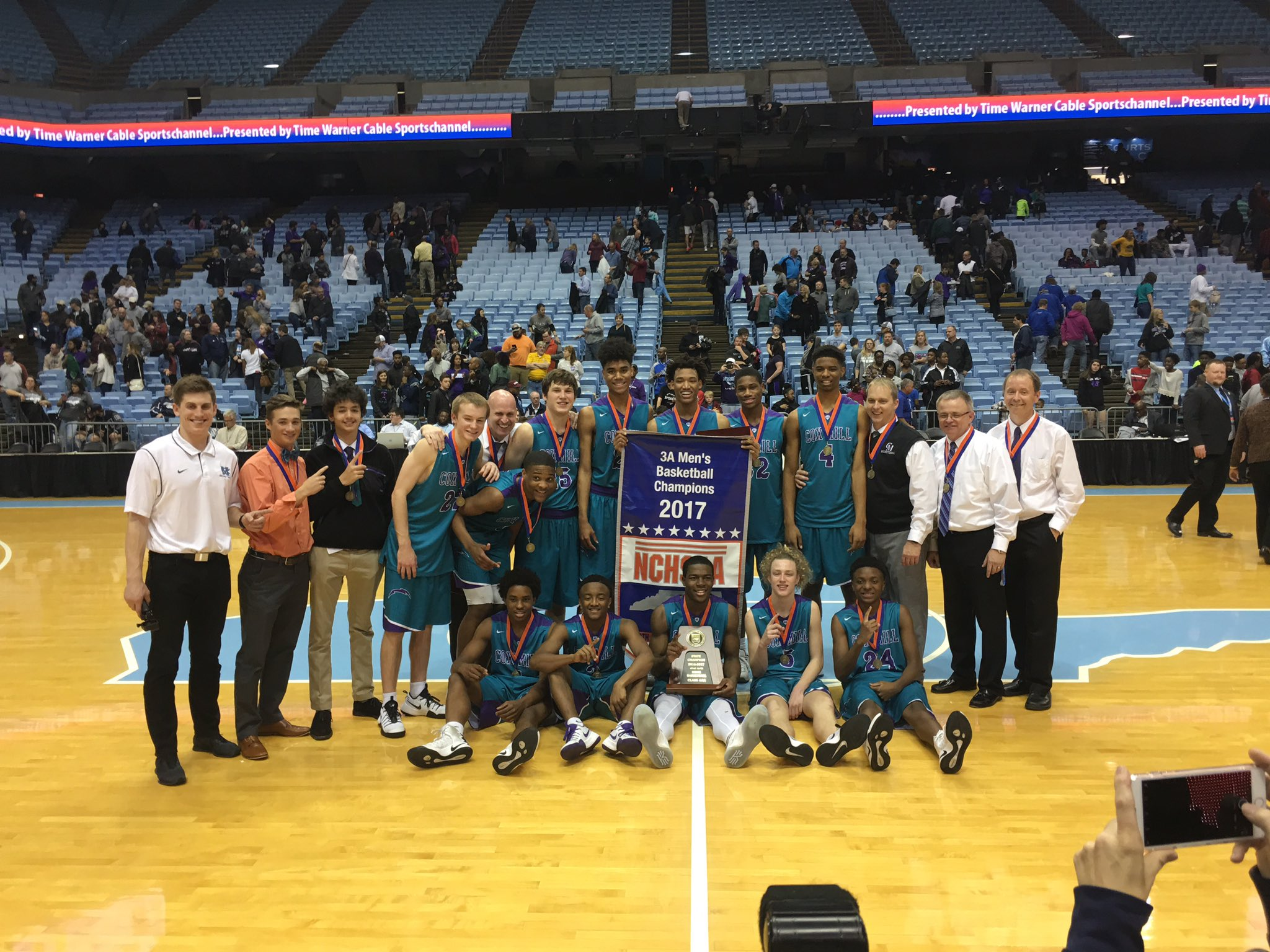Welcome the State Champion Chargers back home!! Team will be arriving around 12:15 at Cox Mill!! Come out and show support! ⚡️🏀🔥🏆 https://t.co/EY6bf28JUo