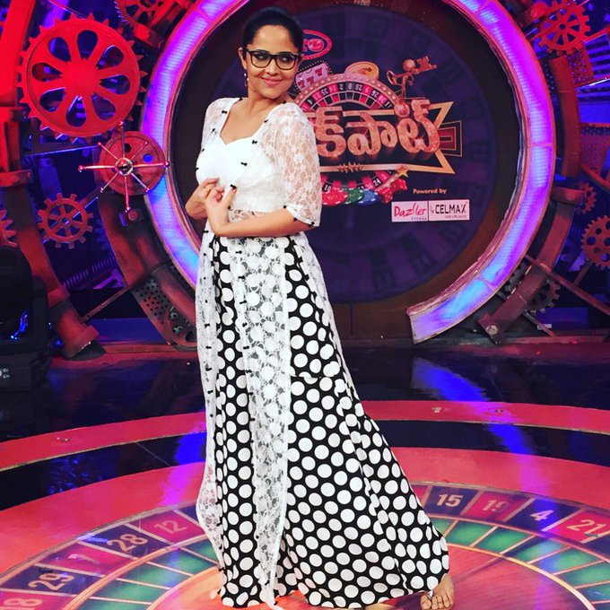 For #Jackpot #tonyt #HoliSpecial This #BlackandWhite #OutfitBy #DutaCouture 😍❤🤓 https://t.co/lhq5HuP