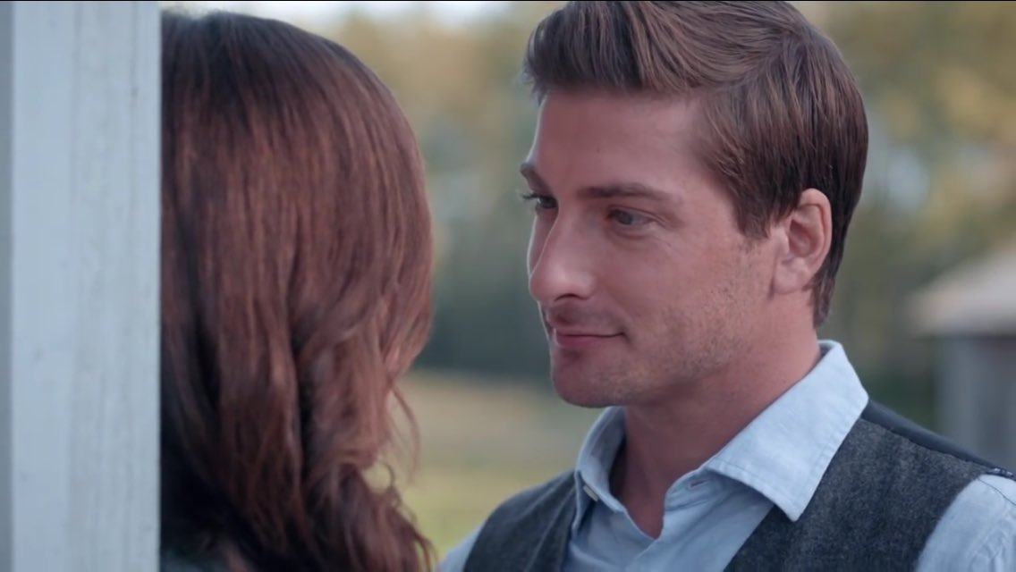 daniel lissing and his wife