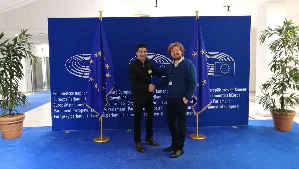 La Librairie Francophone à la #FoireLivreBruxelles et avec @gregoirepolet au Parlement européen à midi @lapremiere   http://bit.ly/1MbCOTZ
