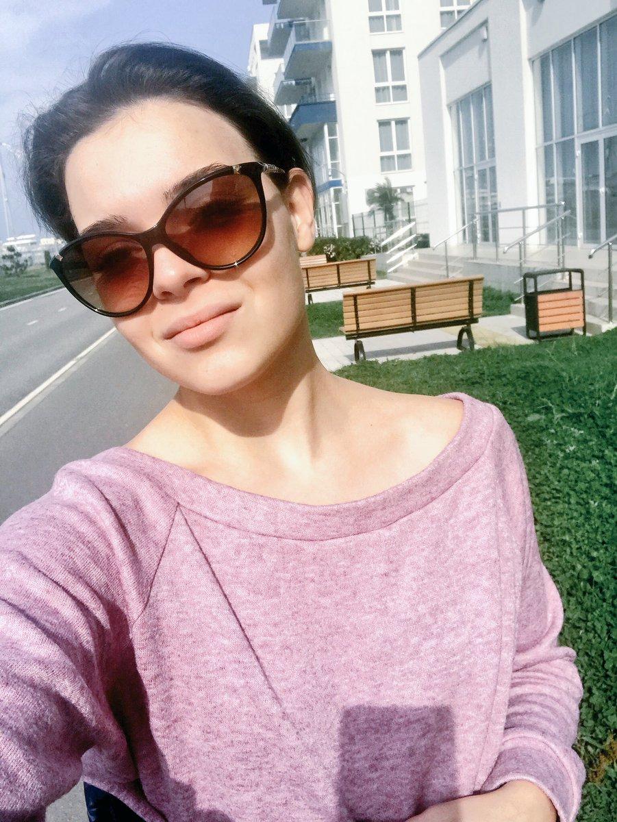 Adelina Sotnikova  - А в Сочи уже twitter @sotnickova2014