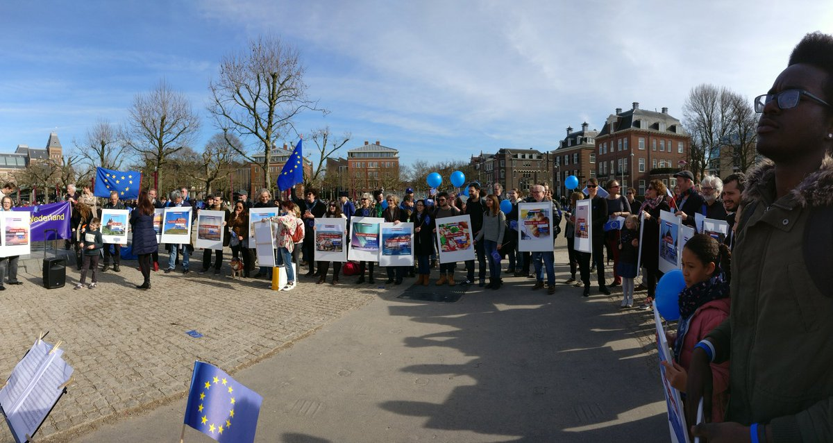 "Un nuovo movimento ""pro-europeo"".  ""Pulse of Europe"" cresce sempre più. C6uOWNOWgAA7dod"