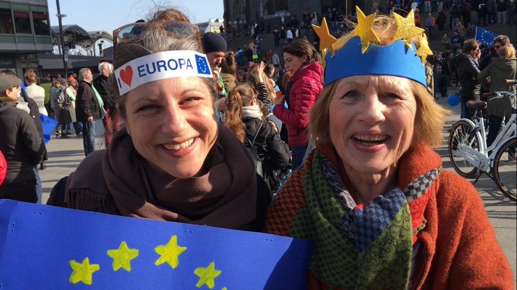 "Un nuovo movimento ""pro-europeo"".  ""Pulse of Europe"" cresce sempre più. C6ueon3XAAIaA_o"