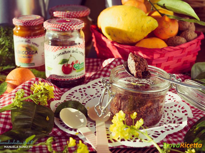 Jar Cake al cacao con confettura Extra di amarene