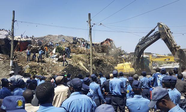 Ao menos 30 pessoas morrem em deslizamento de lixo na Etiópia https://t.co/TDZmEnepal