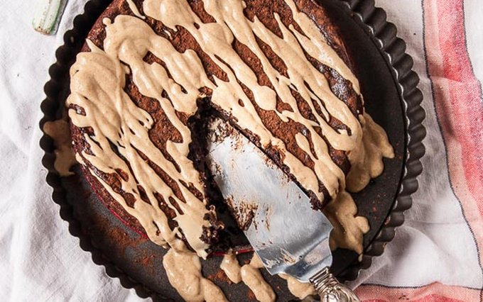 Flourless Peanut Butter and Chocolate Cake [Vegan, Gluten-Free]