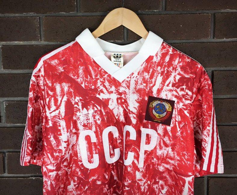 d16ba61fa74 Classic Football Shirts on Twitter: