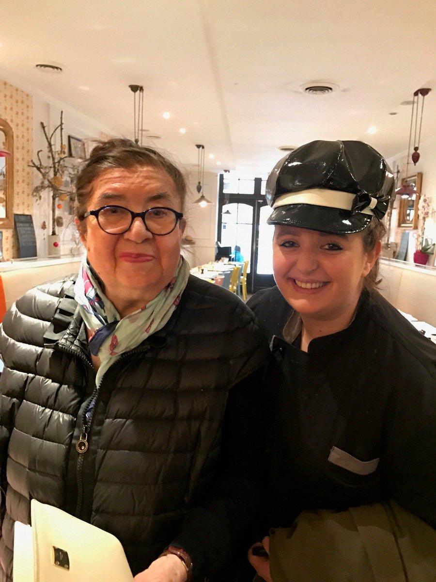 La transmission dans les #cuisines, un des principes d&#39;#Huguette, avec #Karen #bondimanche #Gascogne @VisitezToulouse @RDaudignan<br>http://pic.twitter.com/0lwhOWyafN