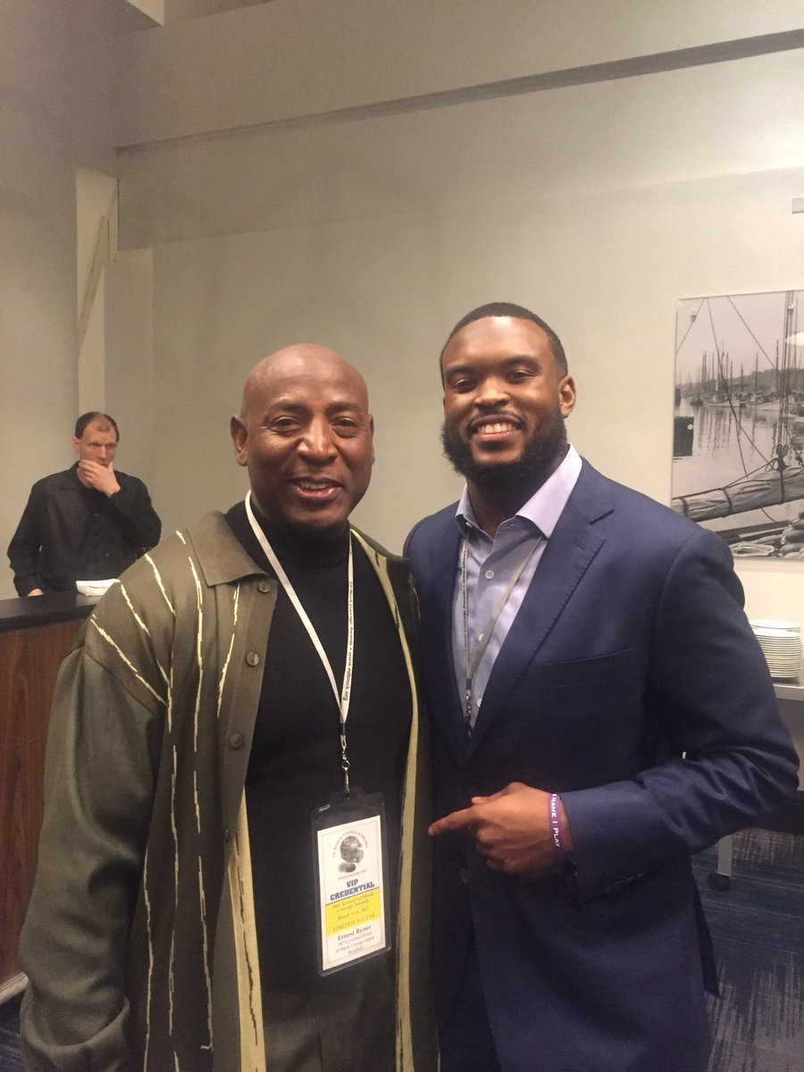 Zach orr retires due to congenital neckspine condition nfl com - Hanging Out Edblock Event With Former Ravens Zachorr Wow I Played With His Dad Redskins I Threw A Td Pass 2his Pops Vs Dallascowboyspic Twitter Com