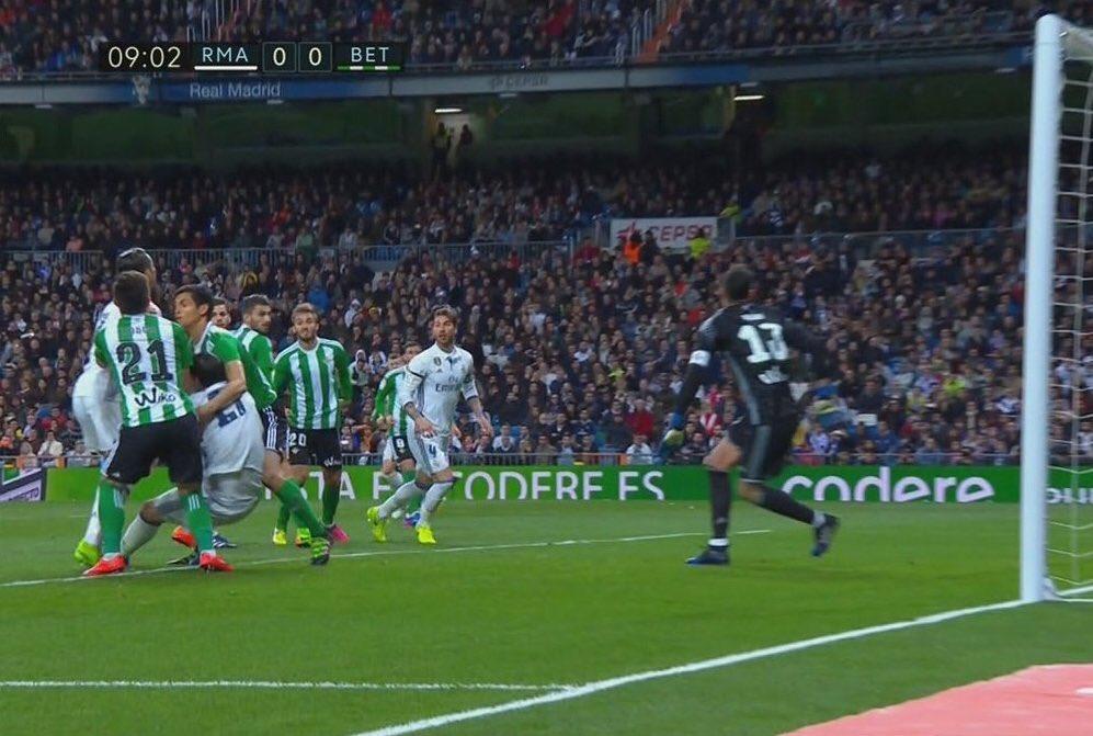 Real Madrid - Betis - Página 6 C6wDS87UwAEacpx