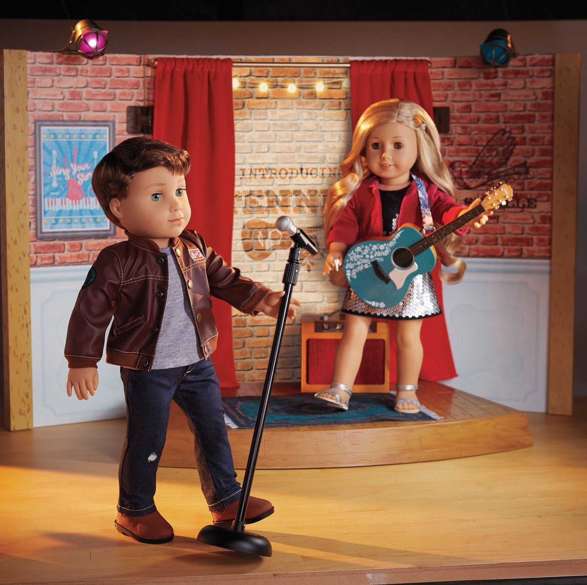 Enter to #win your choice of Tenney or Logan from @American_Girl Doll #Giveaway #sweeps https://t.co/f2WUTS0ha3 https://t.co/sjnTrFKQA5