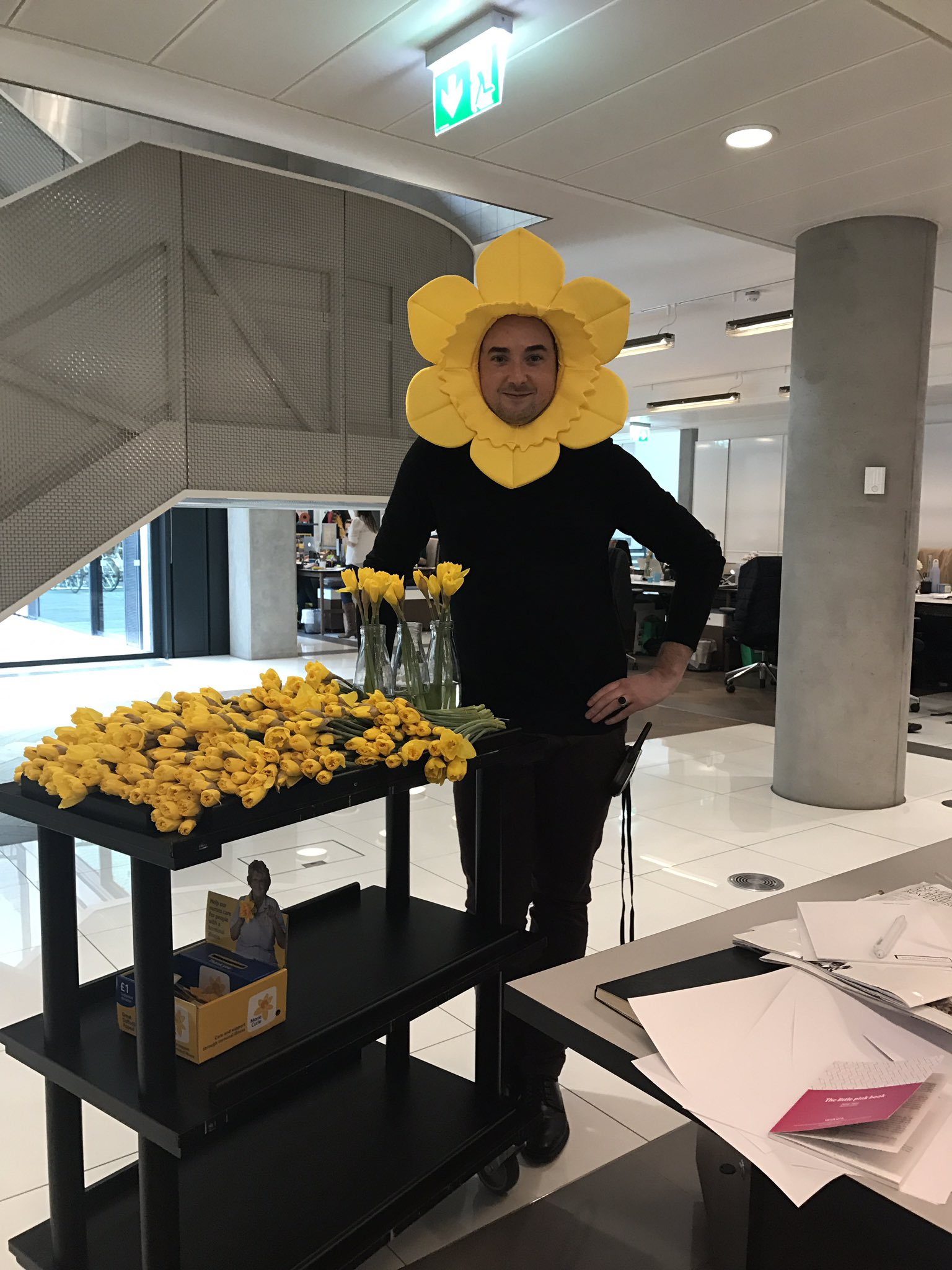 Hello flower @mariecurieuk @PierrePPaton https://t.co/rJLcNmE11F
