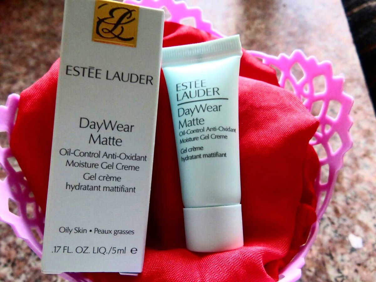 DayWear Matte Oil-Control Anti-Oxidant Moisture Gel Creme by Estée Lauder #15