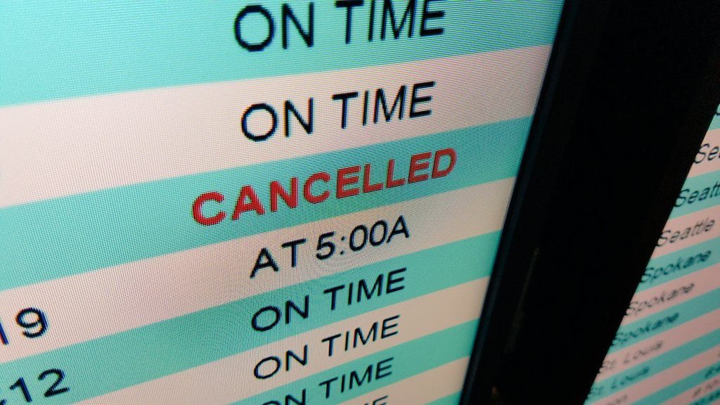 East coast storm Stella starting to impact some flights from PDX. @KGWNews #kgwweather <br>http://pic.twitter.com/ctXRRVOgr0
