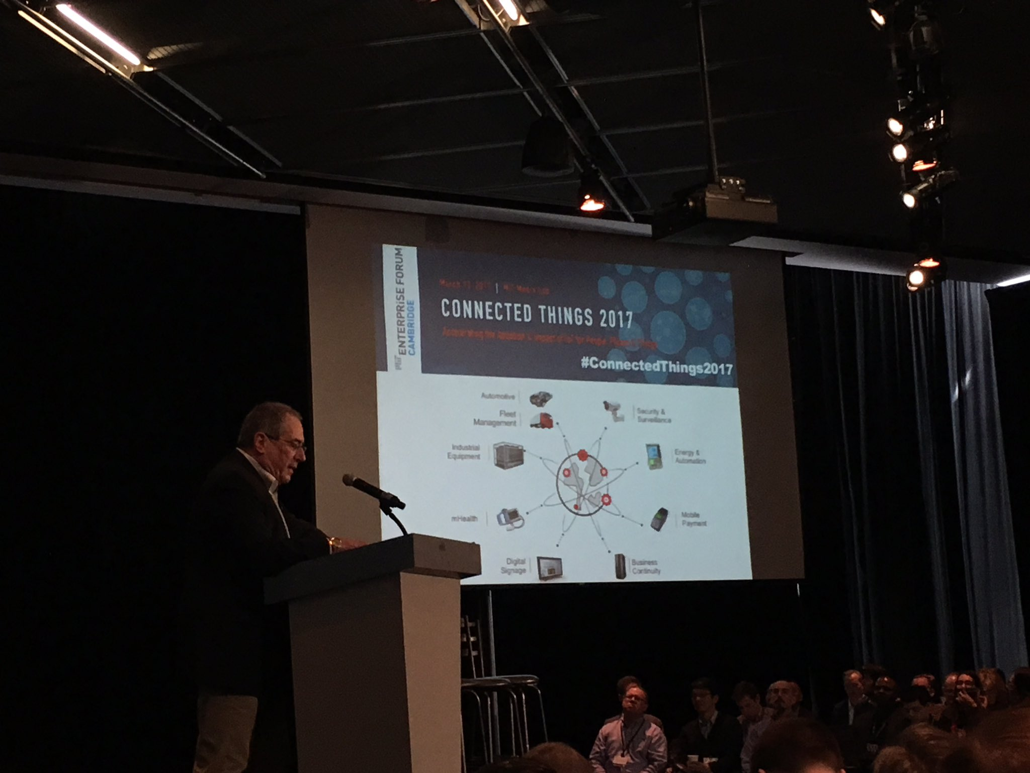 Nice chilly Boston morning to kick off @mitentforum #ConnectedThings2017 conference at @medialab https://t.co/fN4tQrWpWl