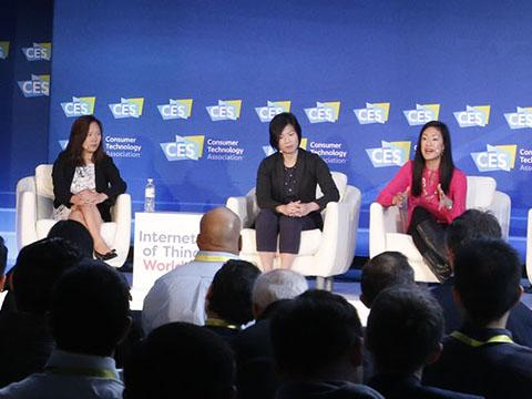 How are cities adapting to the sharing economy? @Lyft and other brands discussed at #CES2017  http:// bit.ly/2o02sL6  &nbsp;  <br>http://pic.twitter.com/xjm9AuyYpF