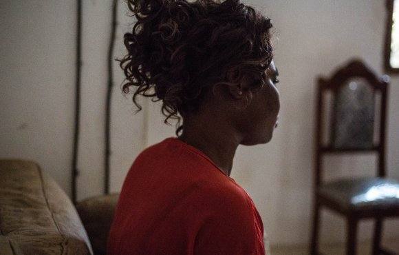 Violée, empoisonnée et témoin du massacre de sa famille: témoignage d&#39;une femme en RCA @Yonnescaut  http://www. irinnews.org/fr/reportage/2 017/03/23/viol%C3%A9e-empoisonn%C3%A9e-et-t%C3%A9moin-du-massacre-de-sa-famille-l%E2%80%99histoire-d%E2%80%99une-femme &nbsp; …  #a <br>http://pic.twitter.com/0beBDbzmjW