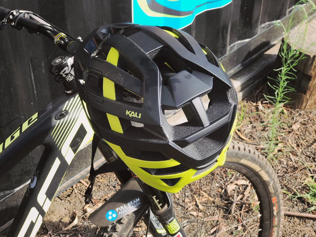 TESTED: Kali Protectives Interceptor Helmet https://t.co/Jmo6U3YUvQ Protect that head, it's the only one you have. #kaliprotctives #mtb