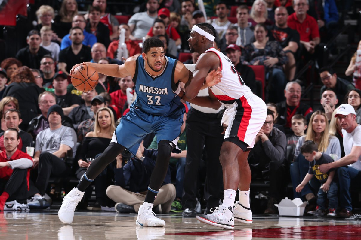 End of three   @trailblazers - 94 #Twolves - 74 <br>http://pic.twitter.com/FLdWAWIce6